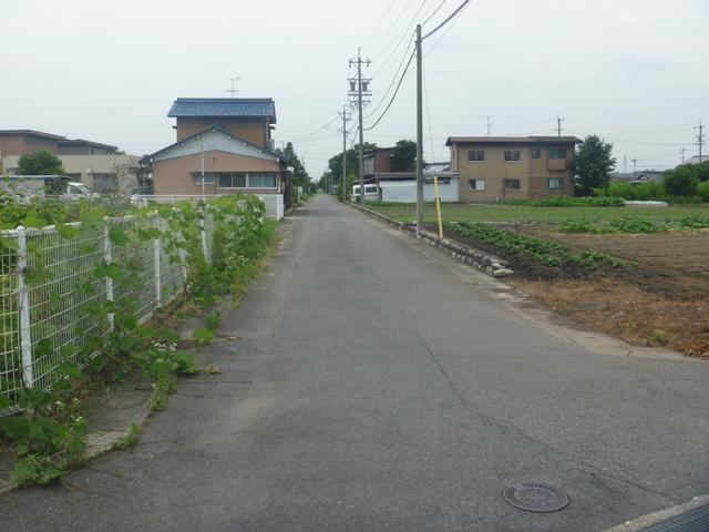 北側 接面道路